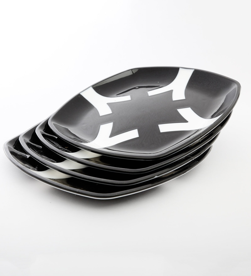 Cutting Edge Microwave Safe Black & White Polypropylene Dinner Plates - Set of 4