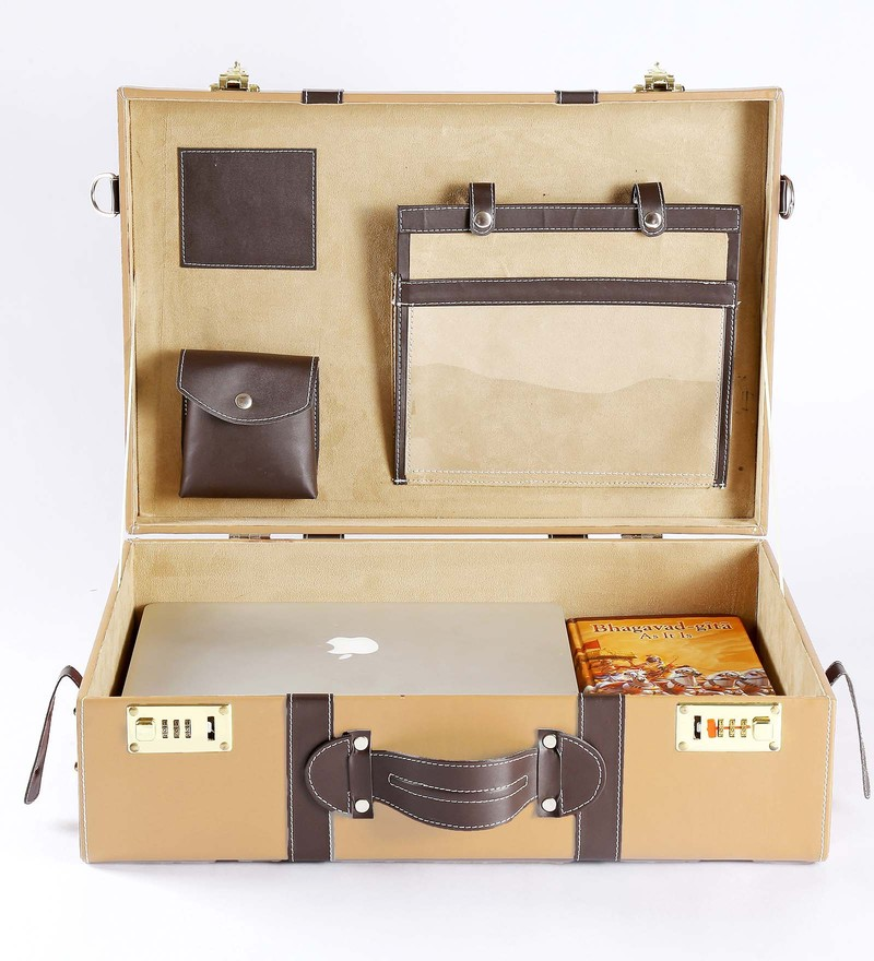 Haus and Sie Briefcase Style Faux Leather Travel Organiser