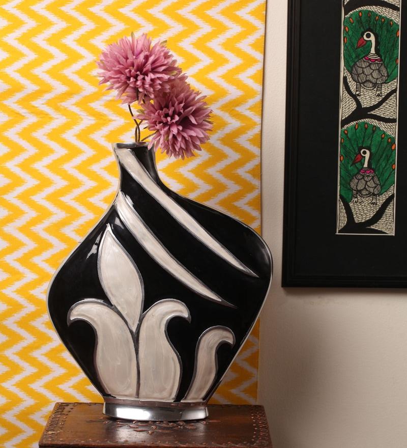 Kalaaplanet Black Metal Designer Flower Vase