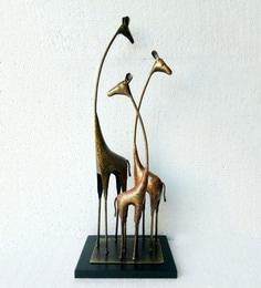[Image: multicolour-mdf---metal-giraffe-table-sh...xeoxug.jpg]