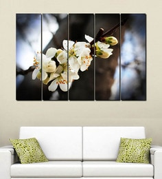999Store White Flowers Multiple Frame Wall Art at pepperfry
