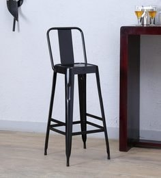 Raglan Black Colour Chair
