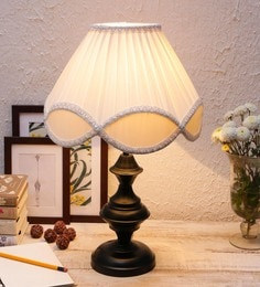 Off White Cotton & Stiffener Fashionable Table Lamp By New Era
