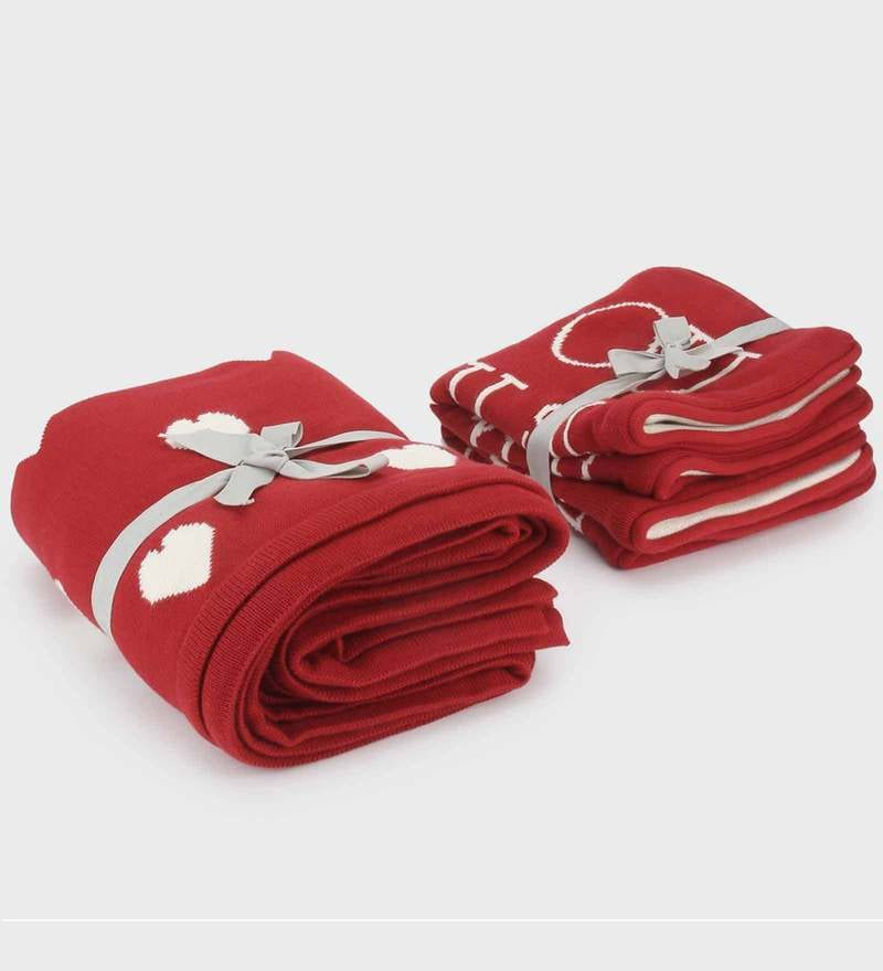 Home & Hearts Bed Runner with 2 Cushion Covers Set by Pluchi