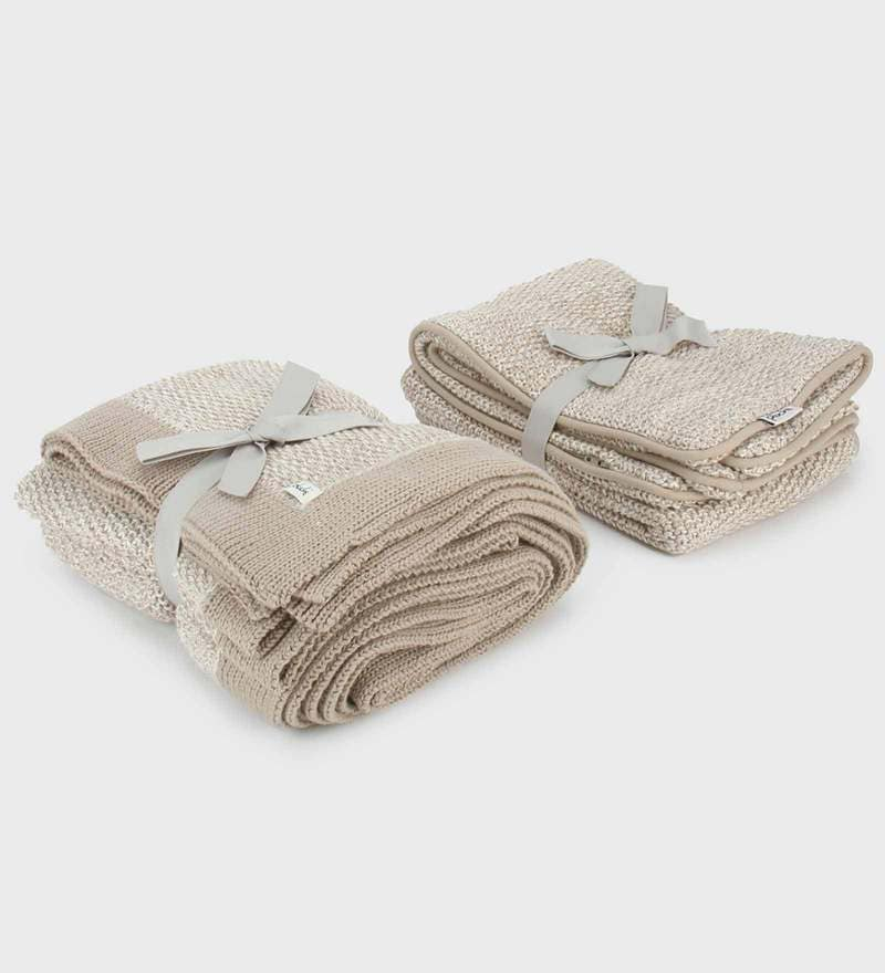 Simply Beautiful Bed Runner with 2 Cushion Covers Set by Pluchi
