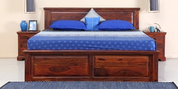 Stanfield Solidwood Queen Bed With  Box Storage In Honey Oak Finish