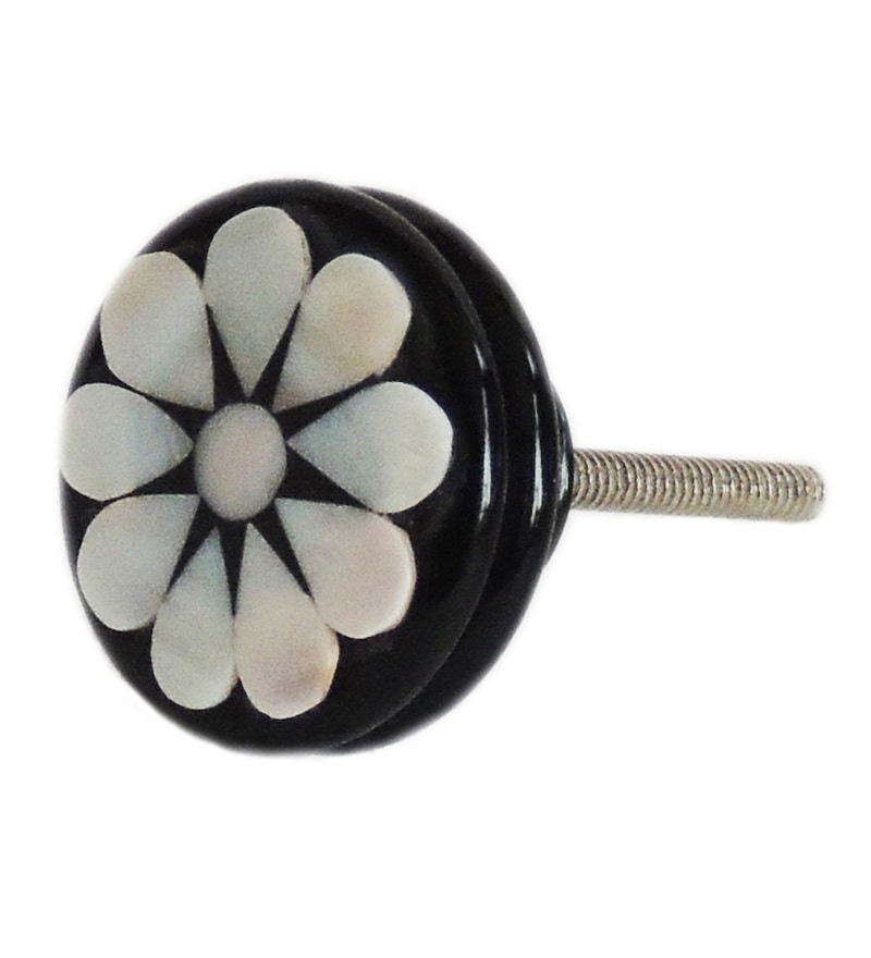 The Decor Mart Black And White Resin And Mother Of Pearl Door Knobs - Set Of 4