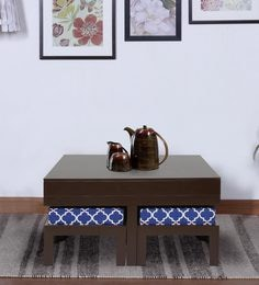 Trendy Coffee Table With Four Stools In Damask Colour