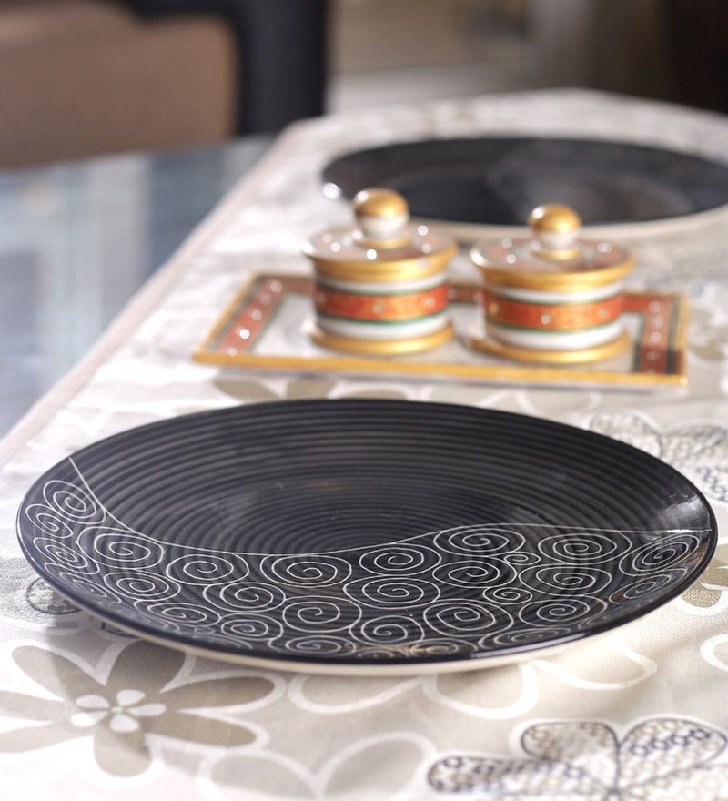 VarEesha Hand Crafted Black Ceramic Full Plates - Set of 6