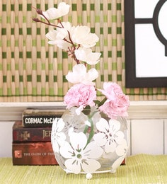 White Metal Tea Light Candle Holder With Stand