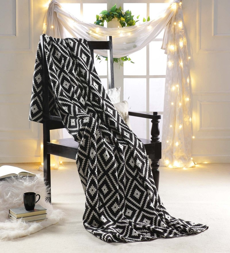 White and Black 100 % Cotton Queen Size Blanket by Pluchi