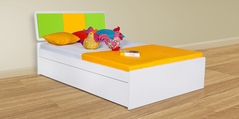Young America Kids Queen Size Bed in Yellow and Green Colour by Alex Daisy
